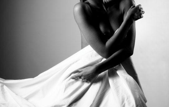 La Jeune Femme, Noir et blanc - intimità